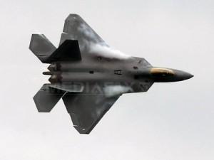 Washingtonul mobilizează avioane de vânătoare F-22 în cadrul exerciţiilor americano-sud-coreene (Imagine: Mediafax Foto/AFP)