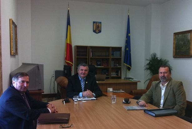 Deputat_Mircea_Deaconu,_deputat_Mircea_Lubanovici,_John_Banu-crop