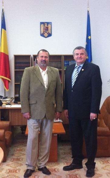 Dl. John I. Banu si Deputat Mircea Lubanovici